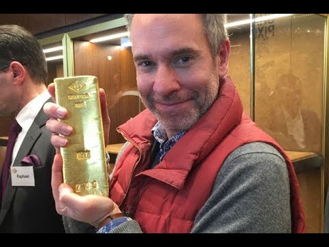 OMG ! A Man got 125 Kg Gold Bar Out Of Glass Box. What a Luc