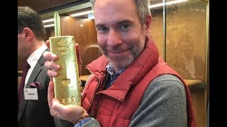 OMG ! A Man got 125 Kg Gold Bar Out Of Glass Box. What a Luck