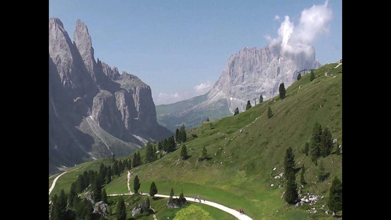 View of sassolungo gruppo sella in the dolomites italy for Best view of dolomites