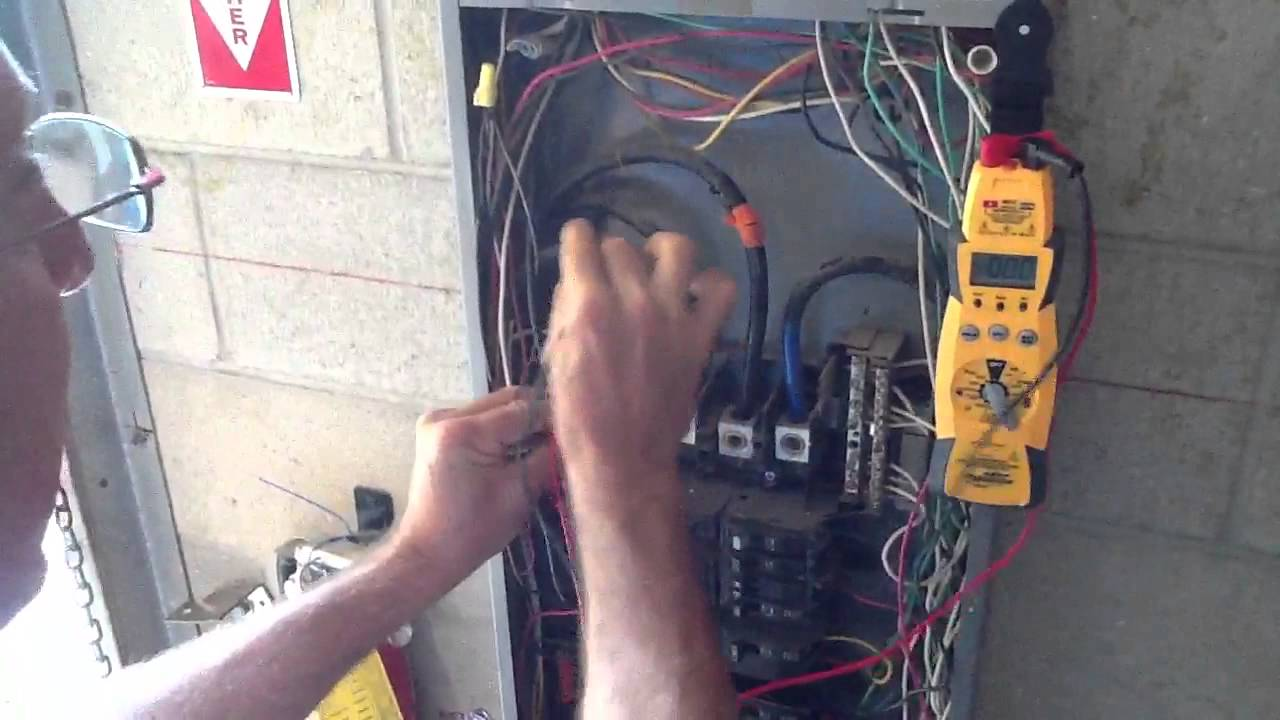 How To Measure 3 Phase Voltage With Highleg Youtube Delta Panelboard Wiring Diagram
