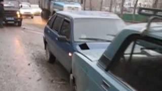 На улице 50 лет ВЛКСМ в Тюмени столкнулись 6 машин