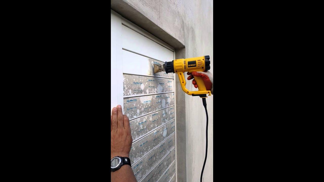 Como quitar adhesivo de una ventanas - YouTube