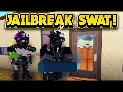 THE JAILBREAK SWAT TEAM IN BLOXBURG! (ROBLOX Bloxburg)