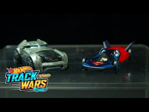 Edición especial: Batman v Superman  Track Wars  Hot Wheels