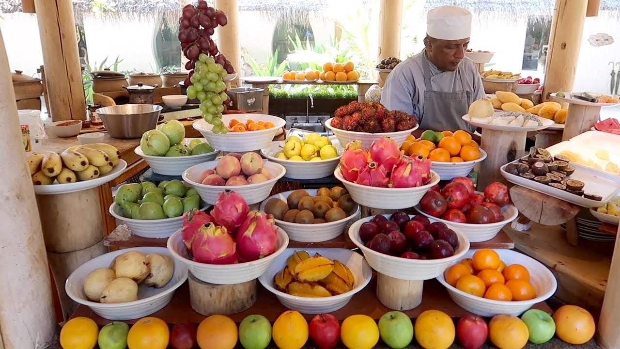 Most AMAZING hotel breakfast in the world: Soneva Fushi Maldives!