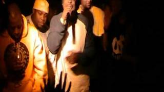 C-Bo Performing Bald Head Nut & Birds in the kitchen Club753.MOD