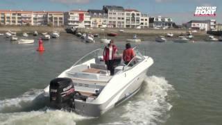 BENETEAU Flyer 750 Cabrio - Essai moteurboat.com