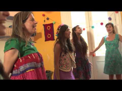 Risas de la Tierra - SI SI KUMBALE (Canción popular africana)