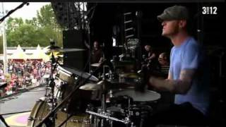 Lifehouse - Falling In  live (pinkpop 2011)