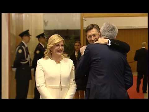 Tomislav Nikolić poljubio Kolindu Grabar-Kitarović tri puta