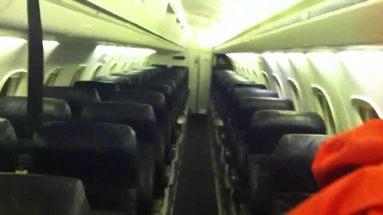 Boarding American Eagle Erj 145 In Memphis International Ai Youtube