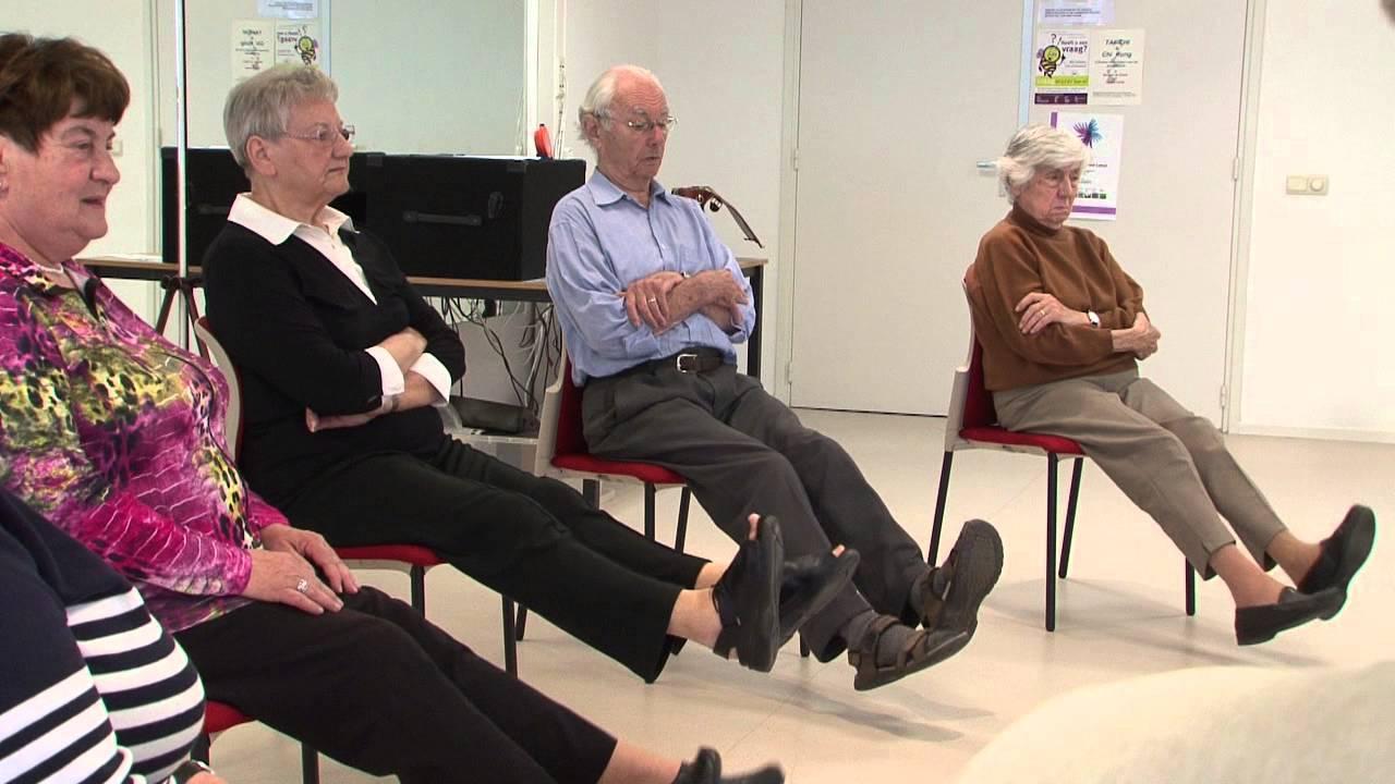 Genoeg WijZijn Bewegen op en rond de stoel voor 55+'ers - YouTube #HY12