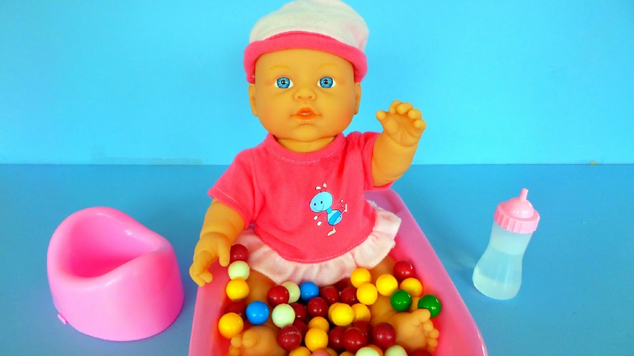 Baby doll taking bath, drinking and eating |Baby Puppe, die Bad ...