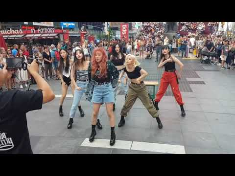 [FANCAM] (G)I - DLE UH-OH NY TIMES SQUARE 2