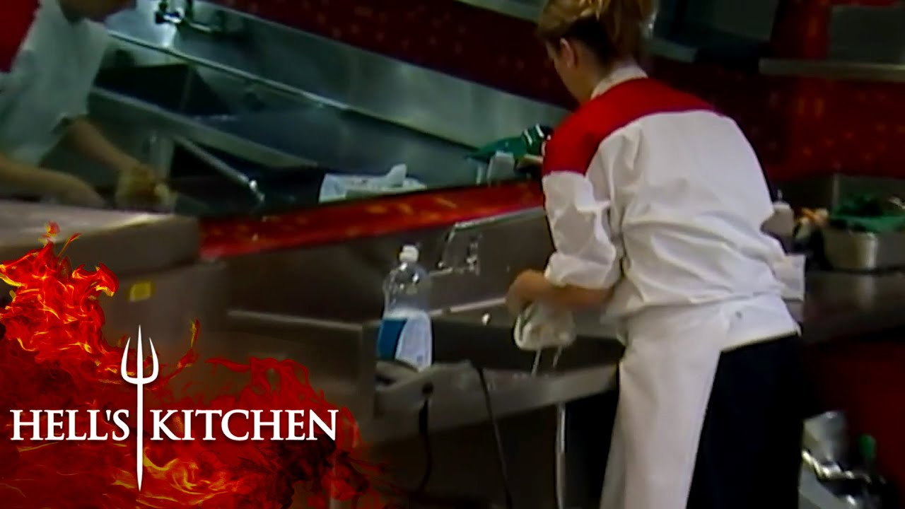 VILE Chef Tries Using Trashcan Pasta | Hell's Kitchen