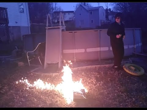 William Shoots And Burns His Old Xbox One!
