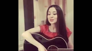 Девушка поёт Кумыкскую песню.