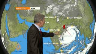 Cyclone approaches Indian coast