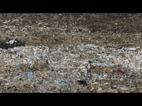 the-innovative-way-india's-handling-its-massive-trash-problem