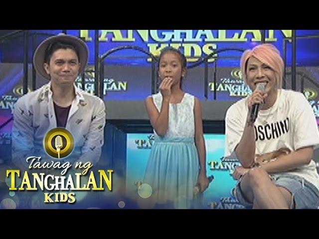 Tawag ng Tanghalan Kids: Jelly says something to Vice that makes him laugh