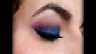 Makeup au scotch, bleu canard et violet