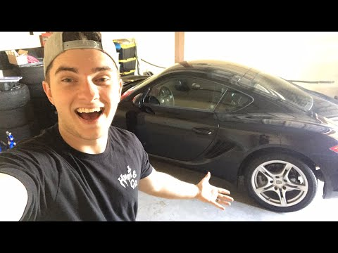 Fitting my Porsche in the garage 😂