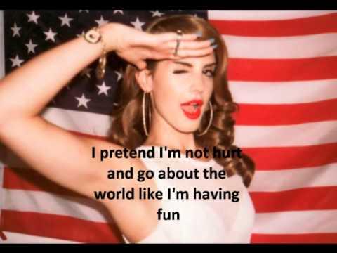 Young Queen Elizabeth Mother Lana Del Rey-Body Elec...