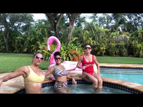 POOL PARTY w/ Jennifer Nicole Lee & JOANNA and LOLA!
