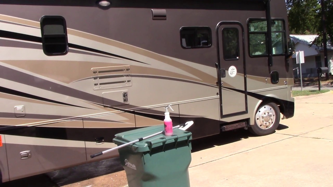 Rv Detailing Tip To Removing Water Spots Soap Residue Quickly