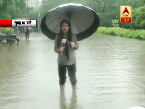 Rain in Delhi-NCR: People Forced to Cross Dirty Water On Noida Roads | ABP News