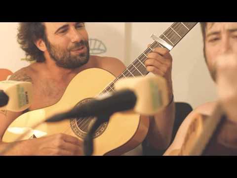 LA PANDILLA VOLADORA - El aire de la calle (Directo acústico estudios Radio Gladys Palmera)