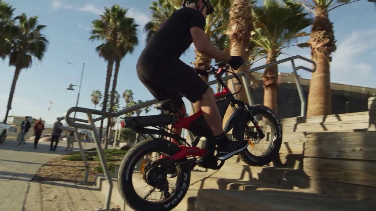 An E-bike that can climb & ride down stairs effortlessly. This is SPLACH-STARK
