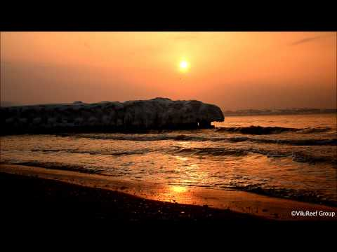 【HD】Frozen Tetrapods with Sea wave at Sunset/Chill out