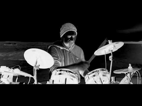 Youtube: Nestor Kéa – DRUMPC (test)