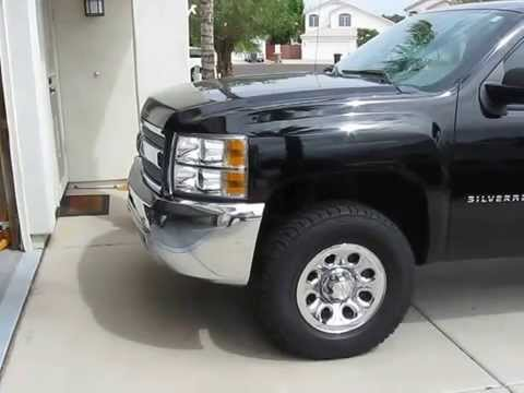2013 Silverado 285/70/17 tires with leveling kit. - YouTube