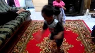 Kids dance on the floor ( ahwazy Hamza )