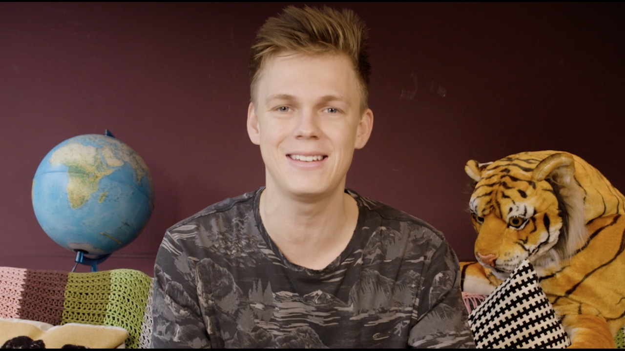Caspar Lee - The History of The BRITs in 60 Seconds ...