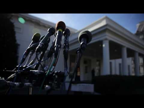 News Update Mike Dubke: White House communications director quits 30/05/17