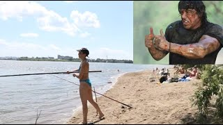Сняли девушек на рыбалке Поймали леща Сухарка