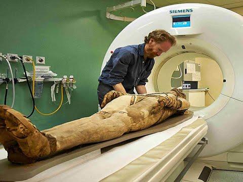 بالفيديو هل تعلم ماذا حدث للعالم الفرنسي الذى شرح جسد فرعون !!