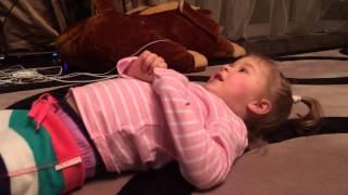 Элли пересказывает свое видео(, 2014-02-05T17:14:42.000Z)