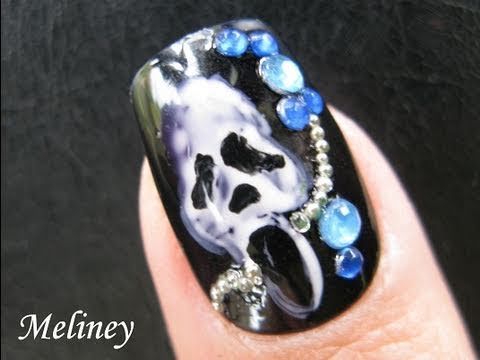 halloween-nails-art-tutorial---punk-rock-scream-mask-scary-movies-design-fake-nails-stickers