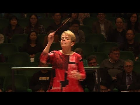 AFP news agency: Female conductor Marin Alsop wields baton for equality