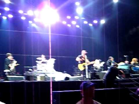 bruce-springsteen-the-e-street-band-born-to-run-bonnaroo-2009-munya684