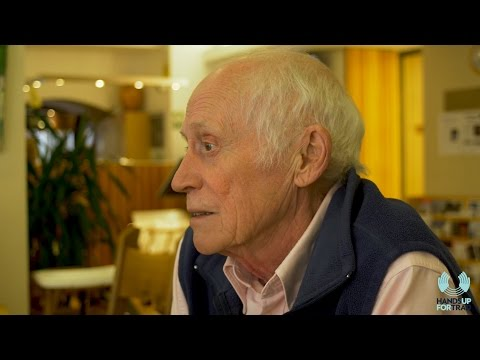 Café Chats: Archie Fisher MBE Interview