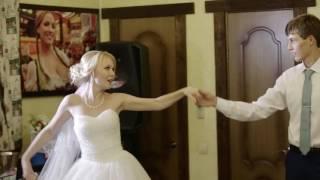 Нежный свадебный танец жениха и невесты. Студия