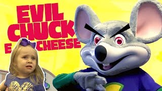 Kids meet Evil Chuck E Cheese!! Playing Arcade Games & Family Fun