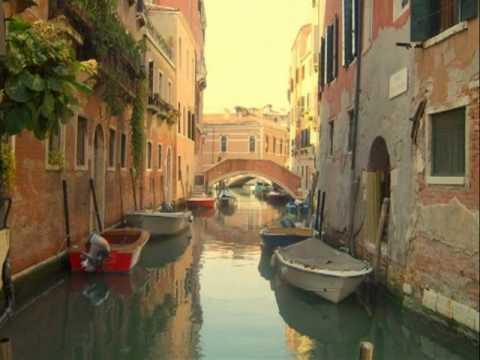 Mailiwak kenka  /  ilocano song / Venice Italy