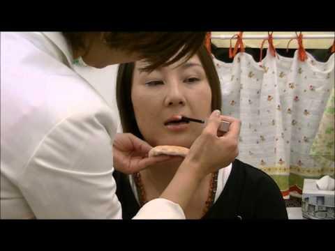 真智子先生の一瞬できれいにリップを引く方法