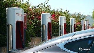 Download Бесшумный убийца нефти. Произведет ли электромобиль энергетическую революцию? Mp3 and Videos
